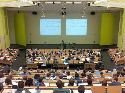 Ocse, gli adolescenti italiani stressati a scuola